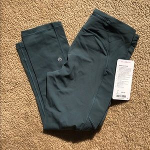 NWT Lululemon Speed up crop sz 6